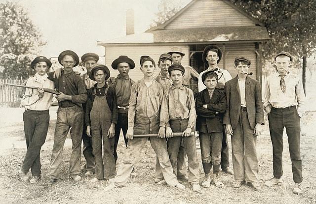 Nostalgie Foto von jungen Männern aus den 50igern