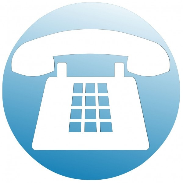 Telefon in weiss auf blauem Hintergrund